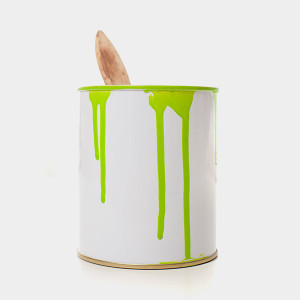 oil paint can